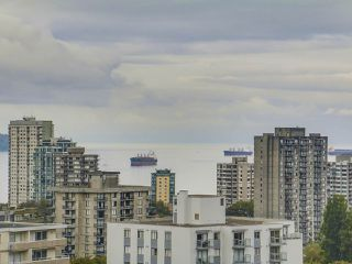 """Photo 17: 1805 1288 ALBERNI Street in Vancouver: West End VW Condo for sale in """"THE PALISADES"""" (Vancouver West)  : MLS®# R2106505"""