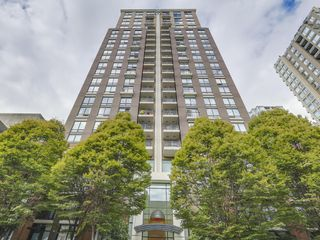 "Main Photo: 1405 1055 HOMER Street in Vancouver: Yaletown Condo for sale in ""Domus"" (Vancouver West)  : MLS®# R2111867"