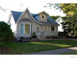 Photo 1: 55 Lawndale Avenue in Winnipeg: Norwood Flats Residential for sale (2B)  : MLS®# 1627193