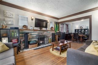 "Photo 3: 2063 NAPIER Street in Vancouver: Grandview VE House for sale in ""Commercial Drive"" (Vancouver East)  : MLS®# R2124487"