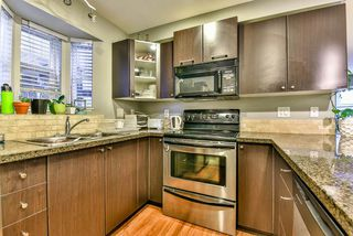 "Photo 6: 211 5454 198 Street in Langley: Langley City Condo for sale in ""BRYDON WALK"" : MLS®# R2145961"