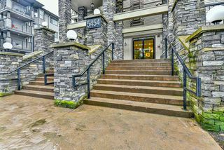 "Photo 1: 211 5454 198 Street in Langley: Langley City Condo for sale in ""BRYDON WALK"" : MLS®# R2145961"