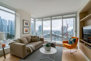 "Photo 6: 806 1351 CONTINENTAL Street in Vancouver: Downtown VW Condo for sale in ""MADDOX"" (Vancouver West)  : MLS®# R2147393"