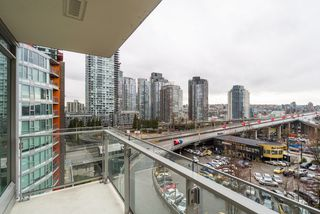 "Photo 19: 806 1351 CONTINENTAL Street in Vancouver: Downtown VW Condo for sale in ""MADDOX"" (Vancouver West)  : MLS®# R2147393"