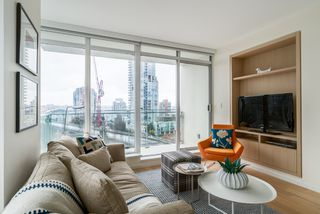 "Photo 8: 806 1351 CONTINENTAL Street in Vancouver: Downtown VW Condo for sale in ""MADDOX"" (Vancouver West)  : MLS®# R2147393"