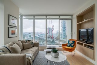 "Photo 7: 806 1351 CONTINENTAL Street in Vancouver: Downtown VW Condo for sale in ""MADDOX"" (Vancouver West)  : MLS®# R2147393"