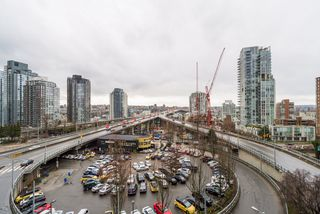 "Photo 27: 806 1351 CONTINENTAL Street in Vancouver: Downtown VW Condo for sale in ""MADDOX"" (Vancouver West)  : MLS®# R2147393"
