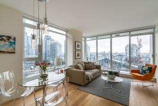 "Photo 4: 806 1351 CONTINENTAL Street in Vancouver: Downtown VW Condo for sale in ""MADDOX"" (Vancouver West)  : MLS®# R2147393"