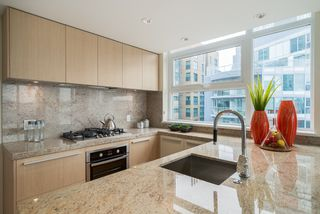 "Photo 3: 806 1351 CONTINENTAL Street in Vancouver: Downtown VW Condo for sale in ""MADDOX"" (Vancouver West)  : MLS®# R2147393"