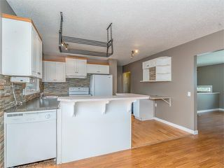 Photo 10: 504 LYSANDER Drive SE in Calgary: Ogden House for sale : MLS®# C4116400
