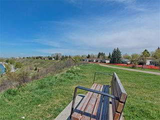 Photo 6: 504 LYSANDER Drive SE in Calgary: Ogden House for sale : MLS®# C4116400