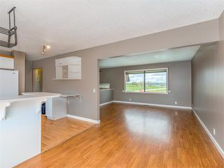 Photo 11: 504 LYSANDER Drive SE in Calgary: Ogden House for sale : MLS®# C4116400