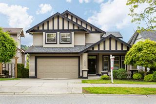 """Photo 1: 3327 BLOSSOM Court in Abbotsford: Abbotsford East House for sale in """"THE HIGHLANDS"""" : MLS®# R2167502"""