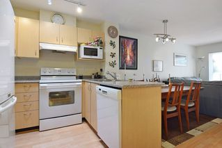 """Photo 6: 409 6359 198 Street in Langley: Willoughby Heights Condo for sale in """"The Rosewood"""" : MLS®# R2182917"""