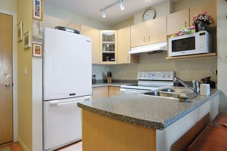 """Photo 7: 409 6359 198 Street in Langley: Willoughby Heights Condo for sale in """"The Rosewood"""" : MLS®# R2182917"""