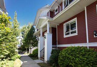 "Photo 1: 25 1130 EWEN Avenue in New Westminster: Queensborough Townhouse for sale in ""GLADSTONE PARK"" : MLS®# R2192209"
