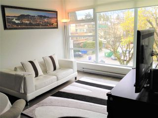 Photo 3: 303 2550 SPRUCE Street in Vancouver: Fairview VW Condo for sale (Vancouver West)  : MLS®# R2198621