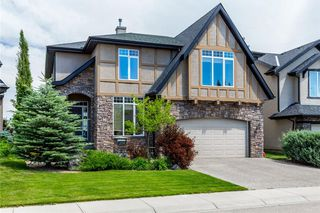 Main Photo: 214 VALLEY CREST Court NW in Calgary: Valley Ridge House for sale : MLS®# C4137606