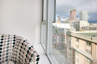 """Photo 9: 1006 550 TAYLOR Street in Vancouver: Downtown VW Condo for sale in """"Taylor"""" (Vancouver West)  : MLS®# R2207122"""