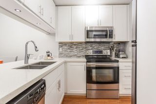"""Photo 10: 101 735 W 15TH Avenue in Vancouver: Fairview VW Condo for sale in """"WINDGATE WILLOW"""" (Vancouver West)  : MLS®# R2212501"""