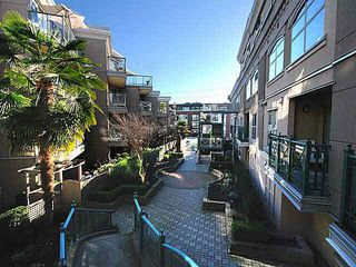 Photo 7: C4 332 LONSDALE AVENUE in North Vancouver: Lower Lonsdale Condo for sale : MLS®# R2208855