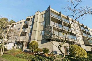 "Photo 1: 306 212 FORBES Avenue in North Vancouver: Lower Lonsdale Condo for sale in ""Forbes Manor"" : MLS®# R2226892"