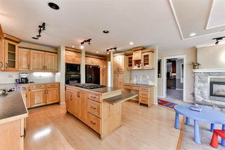 Photo 4: 8097 134 Street in Surrey: Queen Mary Park Surrey House for sale : MLS®# R2227167