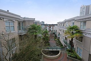 Photo 12: 316 332 LONSDALE AVENUE in North Vancouver: Lower Lonsdale Condo for sale : MLS®# R2224894