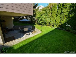 Photo 1: 108 1012 Collinson Street in VICTORIA: Vi Fairfield West Residential for sale (Victoria)  : MLS®# 328751