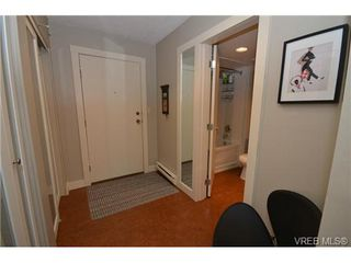 Photo 3: 108 1012 Collinson Street in VICTORIA: Vi Fairfield West Residential for sale (Victoria)  : MLS®# 328751