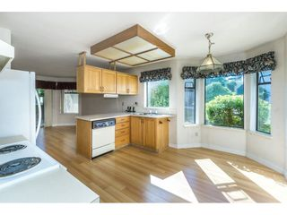 """Photo 7: 102 15153 98 Avenue in Surrey: Guildford Townhouse for sale in """"GLENWOOD VILLAGE"""" (North Surrey)  : MLS®# R2302083"""
