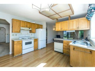 "Photo 8: 102 15153 98 Avenue in Surrey: Guildford Townhouse for sale in ""GLENWOOD VILLAGE"" (North Surrey)  : MLS®# R2302083"