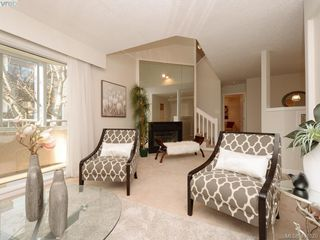 Photo 4: 303 456 Linden Ave in SIDNEY: Vi Fairfield West Condo Apartment for sale (Victoria)  : MLS®# 801253