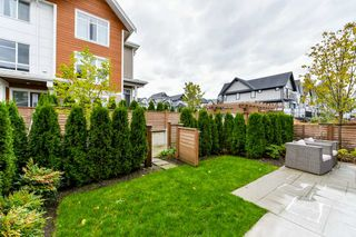 "Photo 12: 1 2978 159 Street in Surrey: Grandview Surrey Townhouse for sale in ""Willsbrook"" (South Surrey White Rock)  : MLS®# R2325398"