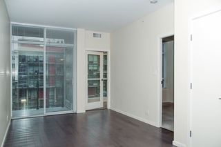 """Photo 5: 306 63 W 2ND Avenue in Vancouver: False Creek Condo for sale in """"Pinnacle Living False Creek"""" (Vancouver West)  : MLS®# R2330596"""