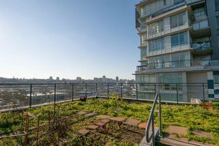 """Photo 16: 306 63 W 2ND Avenue in Vancouver: False Creek Condo for sale in """"Pinnacle Living False Creek"""" (Vancouver West)  : MLS®# R2330596"""