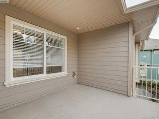 Photo 13: 2 3933 South Valley Drive in VICTORIA: SW Strawberry Vale Row/Townhouse for sale (Saanich West)  : MLS®# 405276