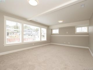 Photo 18: 2 3933 South Valley Drive in VICTORIA: SW Strawberry Vale Row/Townhouse for sale (Saanich West)  : MLS®# 405276
