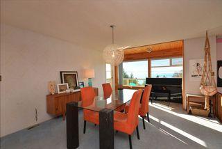 Photo 4: 4911 LAUREL Avenue in Sechelt: Sechelt District House for sale (Sunshine Coast)  : MLS®# R2338085