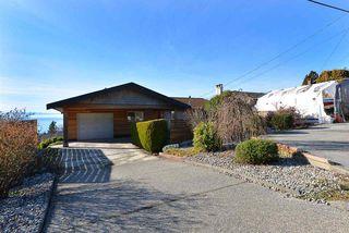 Photo 19: 4911 LAUREL Avenue in Sechelt: Sechelt District House for sale (Sunshine Coast)  : MLS®# R2338085