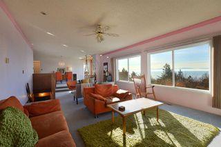 Photo 1: 4911 LAUREL Avenue in Sechelt: Sechelt District House for sale (Sunshine Coast)  : MLS®# R2338085