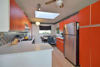 Photo 5: 4911 LAUREL Avenue in Sechelt: Sechelt District House for sale (Sunshine Coast)  : MLS®# R2338085