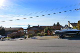 Photo 20: 4911 LAUREL Avenue in Sechelt: Sechelt District House for sale (Sunshine Coast)  : MLS®# R2338085