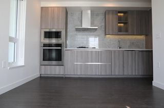 """Photo 6: 2209 433 SW MARINE Drive in Vancouver: Marpole Condo for sale in """"W1 - EAST TOWER"""" (Vancouver West)  : MLS®# R2348805"""