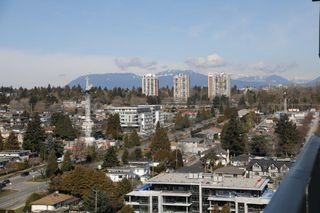 """Photo 7: 2209 433 SW MARINE Drive in Vancouver: Marpole Condo for sale in """"W1 - EAST TOWER"""" (Vancouver West)  : MLS®# R2348805"""