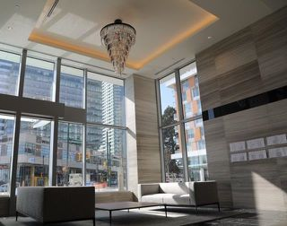 """Photo 3: 2209 433 SW MARINE Drive in Vancouver: Marpole Condo for sale in """"W1 - EAST TOWER"""" (Vancouver West)  : MLS®# R2348805"""