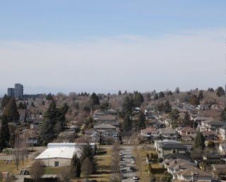 """Photo 4: 2209 433 SW MARINE Drive in Vancouver: Marpole Condo for sale in """"W1 - EAST TOWER"""" (Vancouver West)  : MLS®# R2348805"""