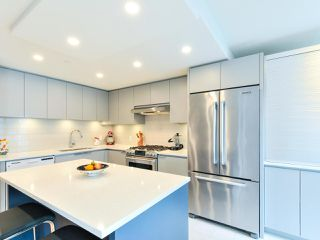 """Photo 10: 1601 560 CARDERO Street in Vancouver: Coal Harbour Condo for sale in """"THE AVILA"""" (Vancouver West)  : MLS®# R2351091"""