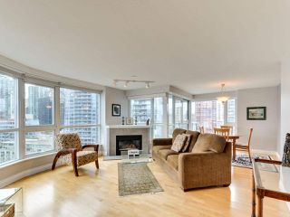 """Photo 11: 1601 560 CARDERO Street in Vancouver: Coal Harbour Condo for sale in """"THE AVILA"""" (Vancouver West)  : MLS®# R2351091"""