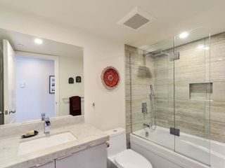 """Photo 19: 1601 560 CARDERO Street in Vancouver: Coal Harbour Condo for sale in """"THE AVILA"""" (Vancouver West)  : MLS®# R2351091"""